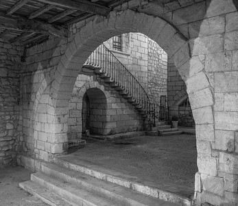 Arch and Stairs - Saint Emilion