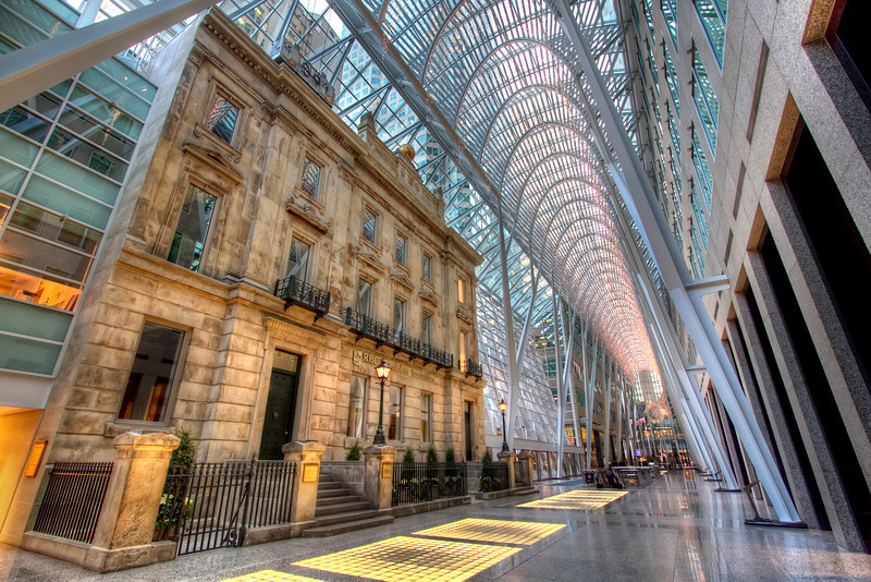<H3>Hybrid Alley</H3> A blend of old and new architecture at Brookfield Place, Downtown Toronto