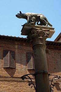 ... bis zu Rom's Gründungsmythos / ... including the founding of Rome