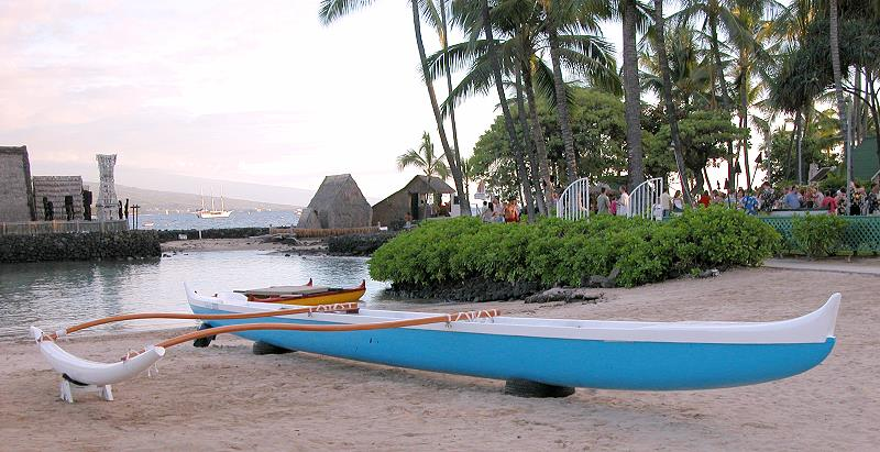 Canoe in front of the King Kamehameha Hotel in Kona