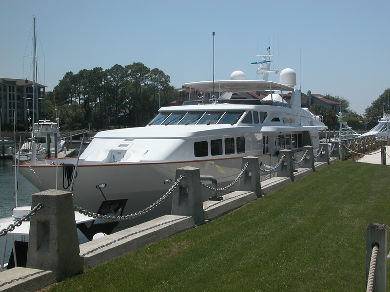 124 foot boat in Harbourtowne Marina