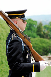 Guardsman at the Tomb of the Unknowns