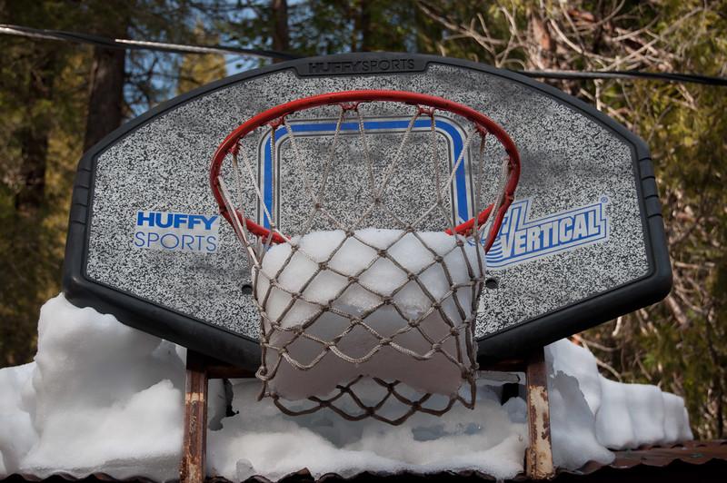Snowy Hoop!