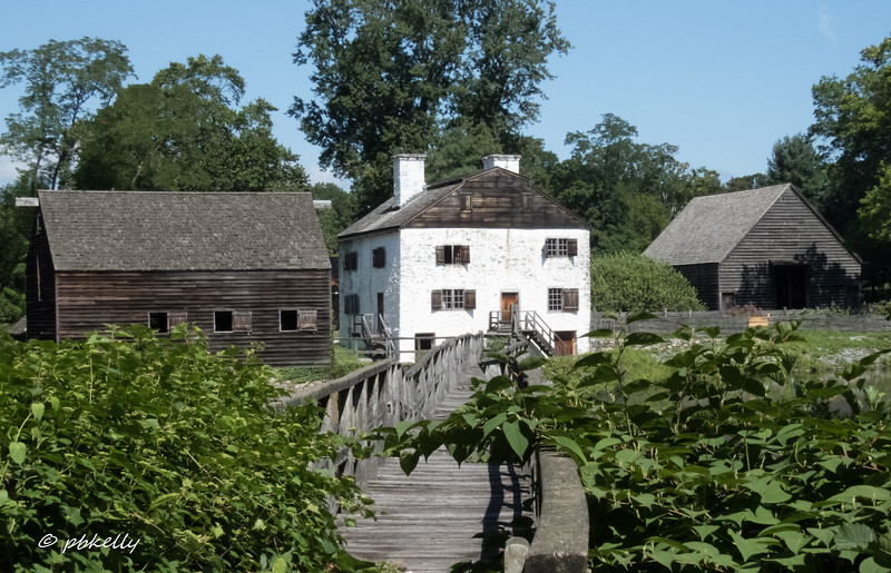 8-13-17.  Phillipsburg Manor, in Sleepy Hollow NY, was an English Manor dating from 1693.  We saw it in passing, and it is on my list of places to visit next time.