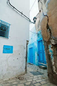 Blue alleys of Tunisia
