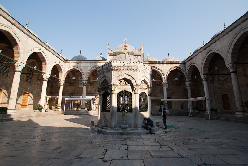 Courtyard at the New Mosque.