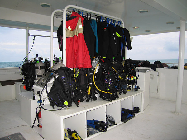 The boat sure was clean & orderly before we started diving!