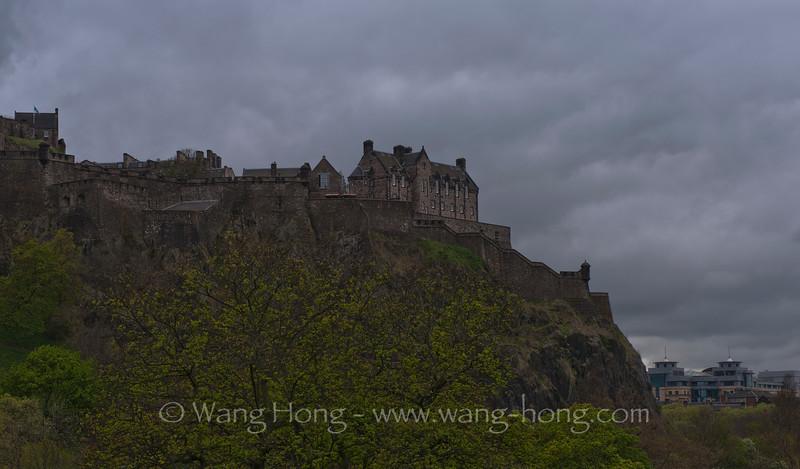Edinburgh Castle in end April 2013. 爱丁堡城堡,2014年4月底。