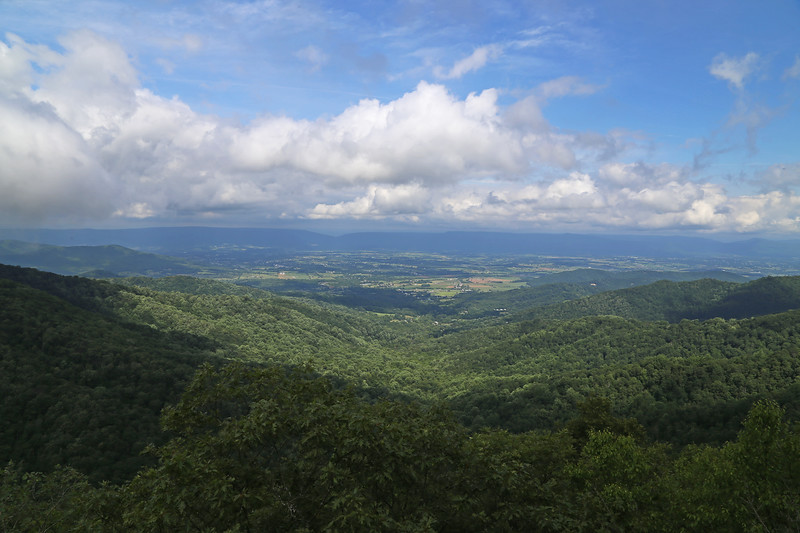 View west from the Appalachian Trail near Franklin Cliffs Overlook