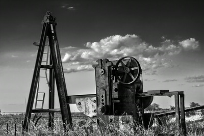 Dismantled Oil Jack (HDR b/w)