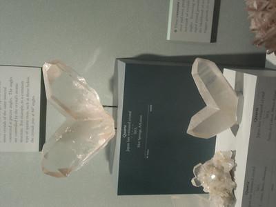 Divergent crystals