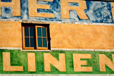 Her Linen-Near River Front-Oregon-Astoria