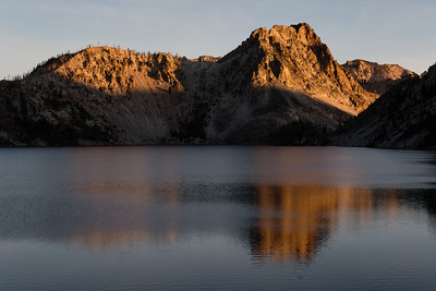 Early morning sun on the peaks north of Sawtooth Lake.