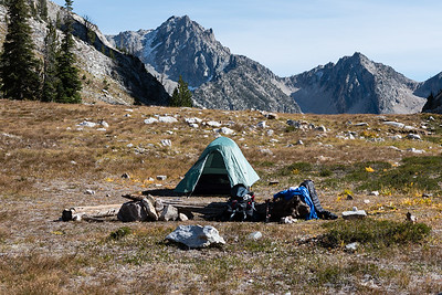 I pitched my tent in a flat spot that had been used by other backpackers. A pile of stones beside the log in the foreground made a nice windbreak for my little camp stove.