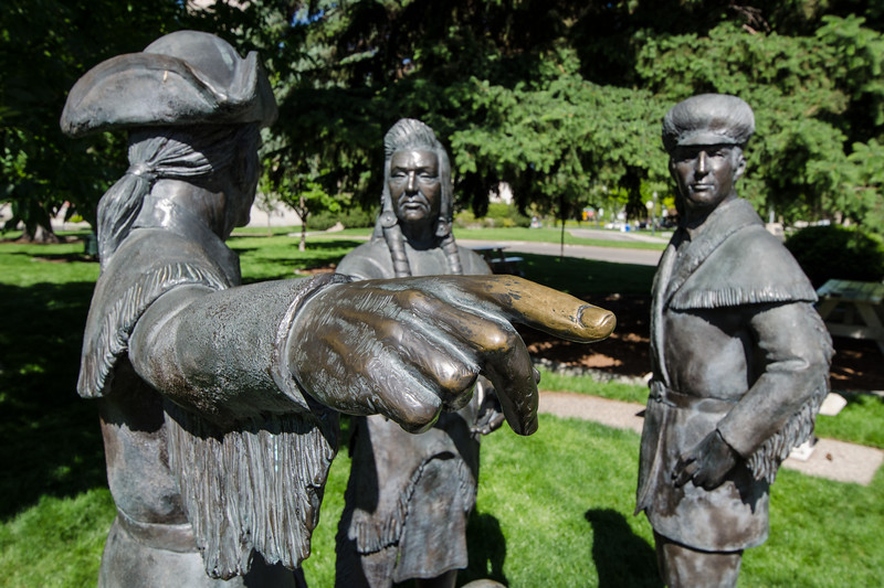"""Pull my finger!"" I love these white guys meeting the Indians statues that you find all around the US. The artists commissioned to create these public works often put WTF expressions on native faces.  In this statue, the native looks like he's just got a good whiff of great white explorer body odor."