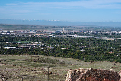 Looking south from the Table Rock trail over the Boise airport to the Snake River plain and the Owyhee mountains on the horizon. Boise has its charms.