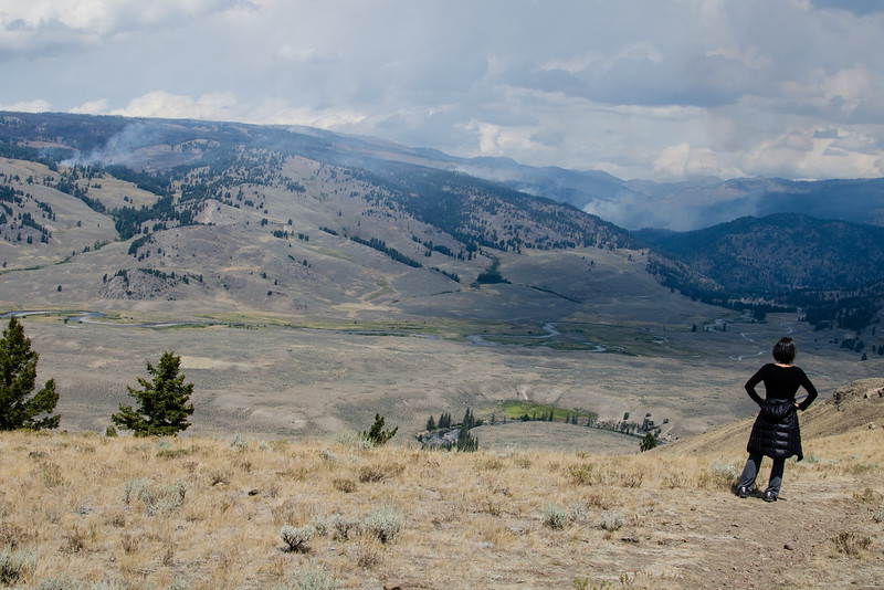 Small forest fires burning on the northern side of Lamar Valley. We kept an eye on the fires while hiking. During a three-hour period, the location and amount of smoke did not change a lot.
