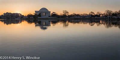Sunrsie Jefferson Memorial