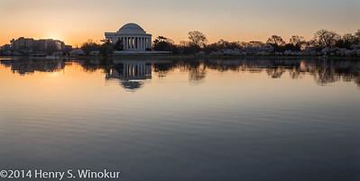 Sunrsie Jefferson Memorial