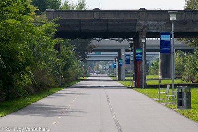 Dequindre Cut -- looking South