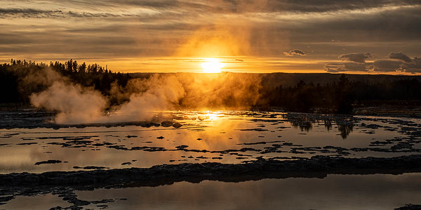 Great Fountain Geyser, at sunset.  ©2019 Henry S. Winokur