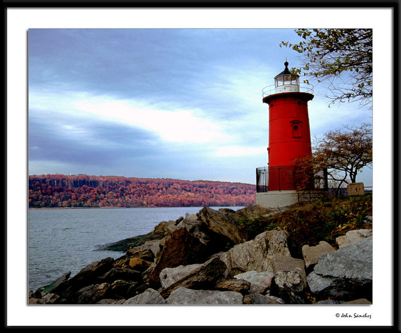 The Little Red Lighthouse and The Palisades. Is this Manhattan?