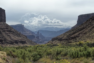 Hwy 128 - to Moab from Cisco - Utah USA - Fisher Towers