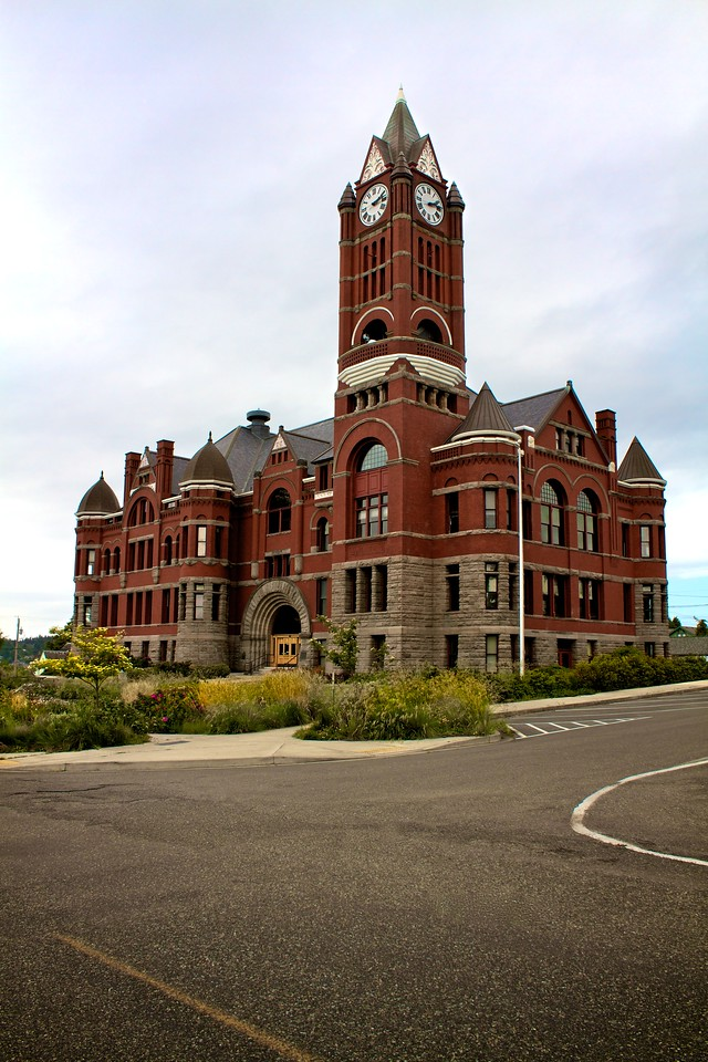 The Jefferson County Courthouse and clock tower was built in 1891. In addition to most of the city's government offices and council chambers, it also houses the Jefferson County Historical Society Museum and hosts a large collection of Victorian era memorabilia, historical exhibits, and many photographs from Port Townsend's beginnings.