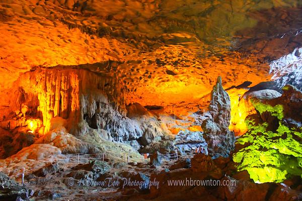 Massive Sung Sot Caverns