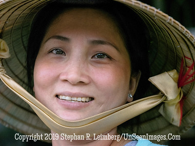 Woman in Hat - Copyright 2018 Steve Leimberg UnSeenImages Com _DSF8975