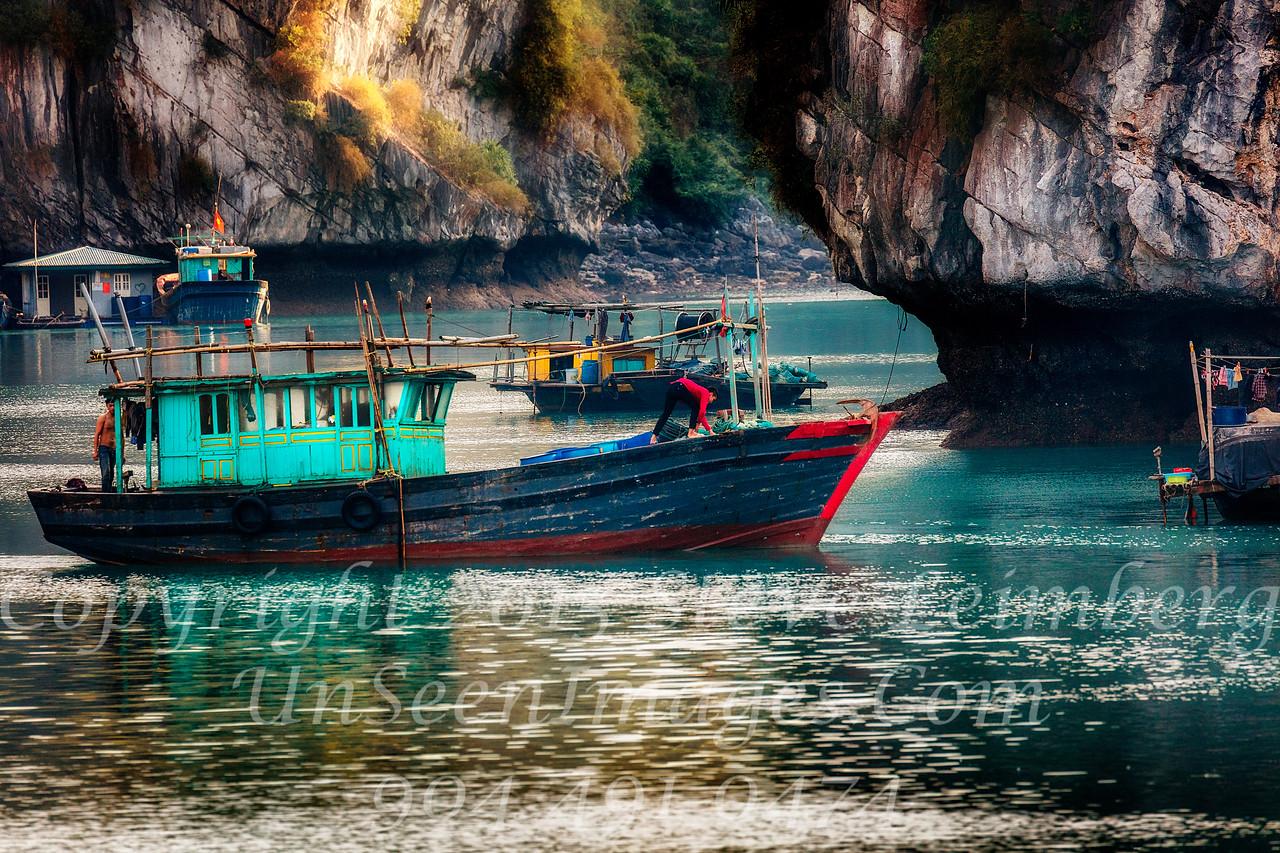 Halong Bay Boats - Copyright 2018 Steve Leimberg UnSeenImages Com _Z2A5185