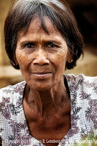 Woman in Village - Close Up Copyright 2018 Steve Leimberg UnSeenImages Com _Z2A7920