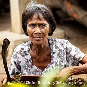 Woman in Village - Copyright 2018 Steve Leimberg UnSeenImages Com _Z2A7920