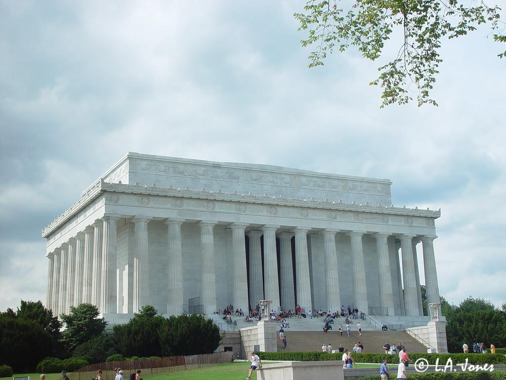 Lincoln_Memorial_LAJ4528
