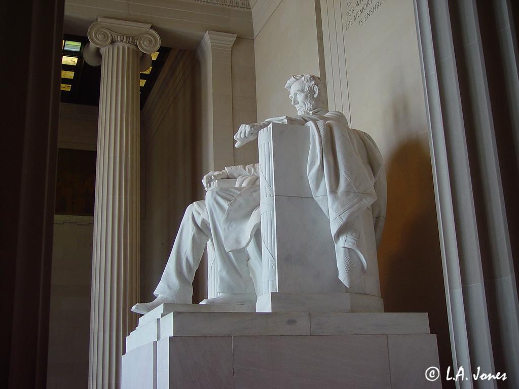 Lincoln_Memorial_LAJ4540