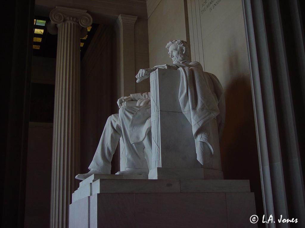 Lincoln_Memorial_LAJ4542