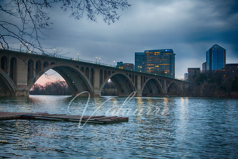 6am March 28, 2014 at the Key Bridge