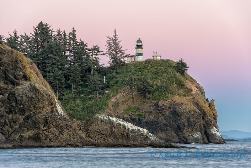 Cape Disappointment Lighthouse, at dusk