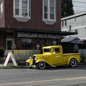 20160929. Vintage truck in front of Boxcar Ale House on Gilman Ave. W., Seattle WA.