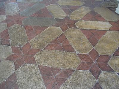 Symmetric floor tiling