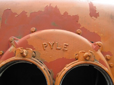 Pyle  Light sockets at the front of engine G.N. 182.