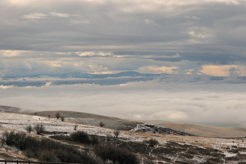 Descending down into the Pendleton area the whole valley was enveloped in this bank of clouds.