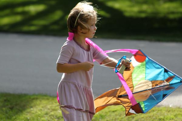 Rachel flying a kite 2