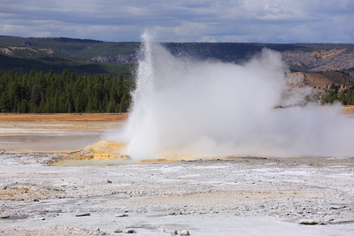 Fountain Geyser 001