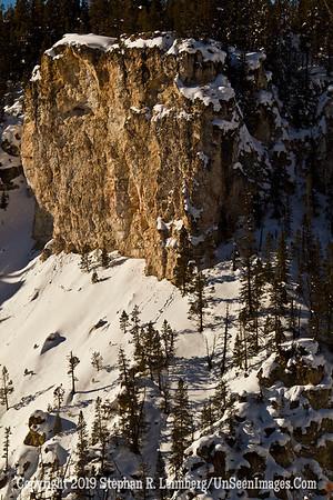 Boulder in Snow BL8I0707 web