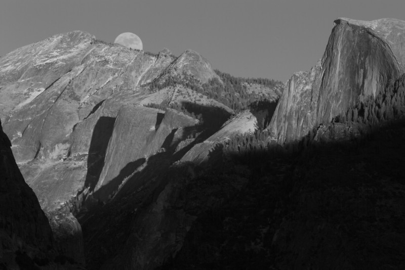 Full moon rise at Tunnel View.