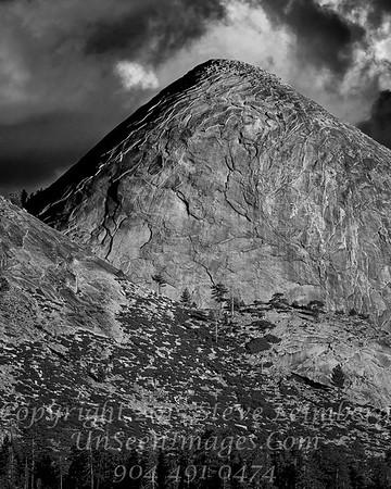 Man Mountain - B&W Copyright 2015 Steve Leimberg - UnSeenImages Com _Z2A3935