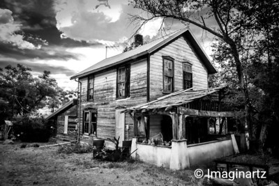 Rustic on the Turquoise Trail, Madrid, NM