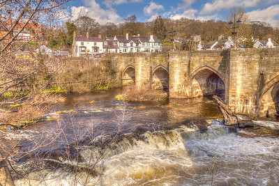 16th Century Bridge Crossing the River Dee in Llangollen, N. Wales.