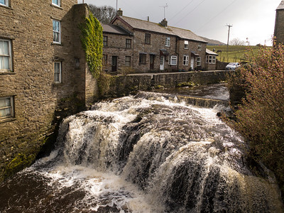 The River Ure at Hawes, Wensleydale, N Yorkshire   .